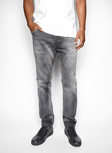Sweat-Jeans Hero Image